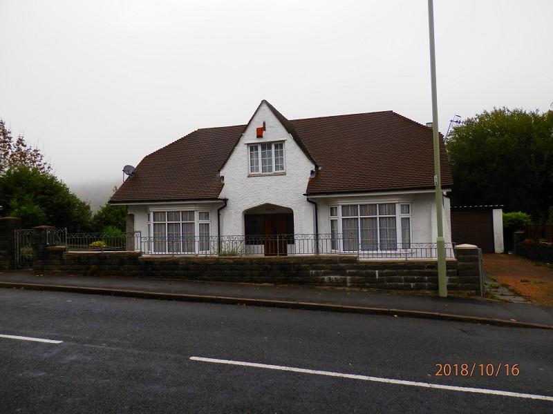 Maindy Crescent, Ton Pentre, Rhondda Cynon Taff. CF41 7ES